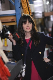 """NEW GIRL: Jess (Zooey Deschanel) helps Nick at the hardware store in the """"Guys Night"""" episode of NEW GIRL airing Tuesday, March 19 (9:00-9:30 PM ET/PT) on FOX. ©2013 Fox Broadcasting Co. Cr: Ray Mickshaw/FOX"""