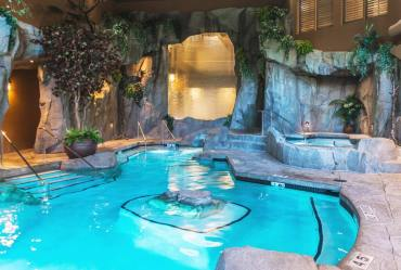 grotto-spa-mineral-pool-1
